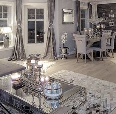 Dining Room Decor grey and white dining room decor Living Room Grey, Living Room Modern, Home Living Room, Living Room Decor, Decor Room, Wall Decor, Trendy Home, Living Room Inspiration, Farmhouse Style
