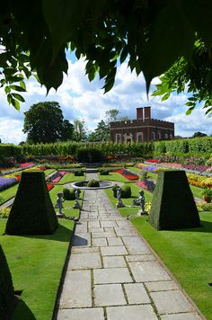 Hampton Court Palace Garden in London