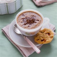 Ultimate hot chocolate with honeycomb cookies recipe. Reward yourself with this perfect afternoon treat: a homemade hot chocolate served with homemade honeycomb cookies. Hot Chocolate Cookies, Homemade Hot Chocolate, Hot Chocolate Recipes, Melting Chocolate, Cookie Recipes, Dessert Recipes, Desserts, Drink Recipes, Sweet Tarts