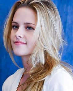 Girl photography poses short hair ideas 13 must know Hollywood Actress Photos, Hollywood Celebrities, Kristen Stewart Twilight, Kristen Stewart Pictures, Kirsten Stewart, Gorgeous Blonde, Le Jolie, Beauty Guide, Beauty Full Girl