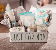Mommies need timeouts just as much as their kids do. Spoil that mom in your life with this basket full of pampering products! Mommies need timeouts just as much as their kids do. Spoil that mom in your life with this basket full of pampering products! New Mom Gift Basket, Mother's Day Gift Baskets, Baby Shower Gift Basket, Baby Gift Box, Unique Baby Shower Gifts, Mothers Day Baskets, Raffle Baskets, Baby Boy Gifts, Pregnancy Gift Baskets