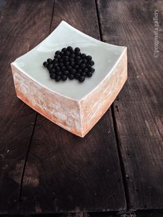 """Caviar"" Ceramic block/platter by Naoko Nagamine. 「キャビア」 長峰菜穂子さんのセラミックブロック/皿 #ceramics #pottery #japanese_pottery #gallery #Tokyo"