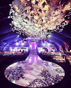We're truly out of words for this Spectacular wedding setup by Robert Hykl @roberthykl  Who's inspired  ?! #TagaBrideToBe  Wedding planner : Robert hykl @roberthykl.  Photographer : Pulse production @pulseproduction.  Wedding venue : The legend venue@thelegendvenue.  #lebaneseweddings royalwedding luxuryweddings arabweddings lebaneseweddings