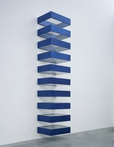 Donald Judd – Untitled 1990 (Blue anodized aluminum and colorless Plexiglas)
