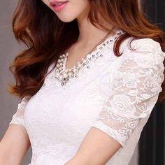ขาย เสื้อลูกไม้ แฟชั่นเกาหลีคอวีแขนสั้นปักมุกแต่งลูกไม้หรูหรา นำเข้า ไซส์Lถึง2XL สีขาว - พร้อมส่งTJ7598 ในราคา ฿1,047 ซื้อได้ที่ Shopee ตอนนี้เลย!http://shopee.co.th/lotusnossrapipornnote/301540  #ShopeeTH