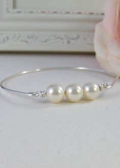 Heirloom Pearls,Sterling,Pearl,Silver Bracelet,Ivory,Bangle,Wedding,White,Pearl Bracelet. Handmade jewelry by valleygirldesigns on Etsy.
