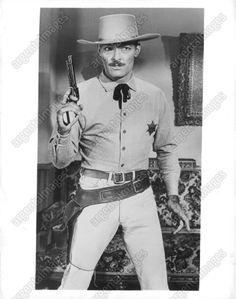 John Russell Actor, Actor John, Old Western Actors, Western Movies, James Gardner, Male Movie Stars, Clint Walker, Tv Westerns, Vintage Tv