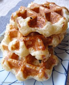 Belgian waffles (in french) - Cocinera Loca - Crepes And Waffles, Waffle Bar, Belgian Waffles, Sweet Pastries, Waffle Recipes, No Bake Desserts, French Desserts, Other Recipes, Love Food