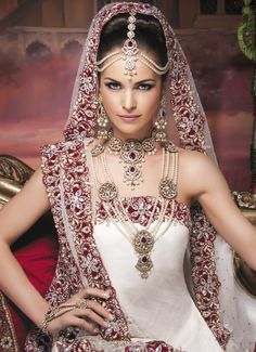 Mughal bridal jewelry. South Asian bridal jewelry