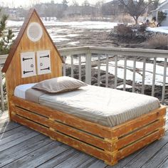 American Farmhouse Bed from PoshTots