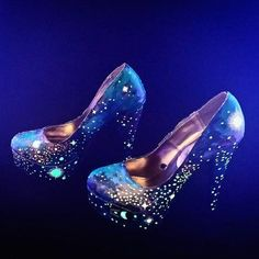 Maybe all you want are a few glowing stars on your bridal footwear. #Wedding #Shoes
