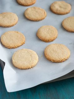 4-ingredient shortbread cookies - you can't go wrong with these!