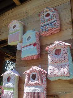 Pajaritos on pinterest bird houses fabric birds and - Casita tela ninos ...