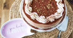 Keksimurskasta tehty keksipohja hyydykekakkuun, joka on valmistettu ilman liivatetta. Helppo kakku vaikka isänpäiväksi. Tiramisu, Cheesecake, Food And Drink, Baking, Sweet, Ethnic Recipes, Desserts, Candy, Tailgate Desserts