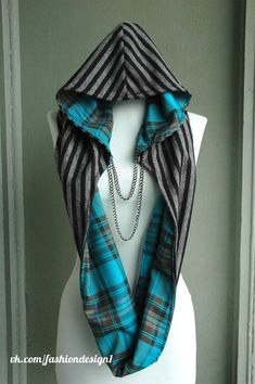 Awesome hooded scarf with chain Sewing Hacks, Sewing Crafts, Sewing Projects, Sewing Tutorials, Diy Crafts, Diy Clothing, Sewing Clothes, Hooded Scarf, Hooded Flannel