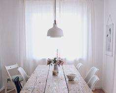DIY Esstisch selber bauen Source by The post DIY Esstisch selber bauen appeared first on The most beatiful home designs. Furniture Makeover, Diy Furniture, Dyi, Diy Esstisch, Diy Dining Table, Solid Wood Table, Dining Room Design, Dining Rooms, Home And Living