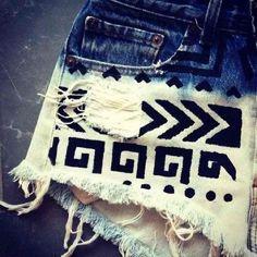 DIY shorts - Bleach Bottom w/ Tribal Design Looks Style, Looks Cool, Style Me, Look Fashion, Diy Fashion, Fashion Beauty, Womens Fashion, Do It Yourself Inspiration, Mode Inspiration