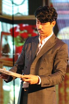 Cha Seung Won, Prison Break, White Furniture, Double Breasted Suit, Korea, Suit Jacket, Living Room, Beauty, White Cabinets