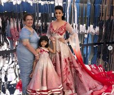 Aishwarya with her mother Vrinda Rai and daughter Aaradhya Bachchan Aishwarya Rai Baby, Aishwarya Rai Bachchan, Pakistani Mehndi Dress, Pakistani Couture, Indian Bollywood, Bollywood Fashion, Bollywood Style, Bollywood Celebrities, Indian Gowns Dresses