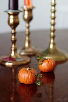 DIY clay miniature pumpkins for Halloween, tutorial by Alicia Sivertsson, 2015.