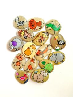Painted Rocks Kids, Painted Pebbles, Painted Stones, Stone Game, Painting Station, Safari Animals, Rock Animals, Rock Painting Designs, Pet Rocks