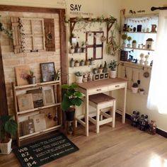 Look at the teeny tiny succulents Home Decor Bedroom, Entryway Decor, Room Decor, Vintage Room, Vintage Home Decor, Interior Exterior, Room Interior, Fairy Room, Beautiful Interior Design