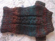 Ravelry: Penny's Dog Sweater Free pattern ♥  5000 FREE patterns to knit ♥: http://www.pinterest.com/DUTCHKNITTY/share-the-best-free-patterns-to-knit/