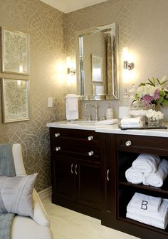gold bathroom ideas 1000 images about wallpapered bathrooms on 11890