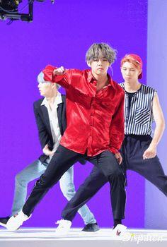 listen,taekook is real. Bts Bangtan Boy, Bts Boys, Foto Bts, Namjin, Daegu, Jikook, Saranghae, V Gif, Korean Boy