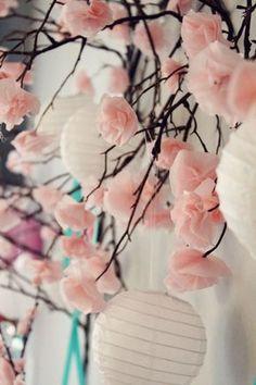 Decoração de festa com tema japonês, flores de papel crepon, flor de cerejeira, DIY tissue paper cherry blossom branches