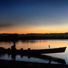 Em meio as colinas do estado de Shan, leste de Myanmar e uma altitude de 2918 metros sobre o nível do mar, Inle Lake, o lago de água doce, considerado uma verdadeira pérola em Myanmar.