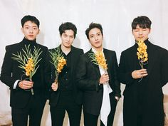 170113 CNBLUE, orchid. Winning the GDA Best Band Award.