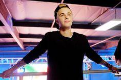 Delicious Men Justin Bieber and Scott Foley Are Friends Now -Cosmopolitan.com