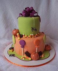 #KatieSheaDesign ♡❤ ❥ great #Fall colors for this #halloween cake