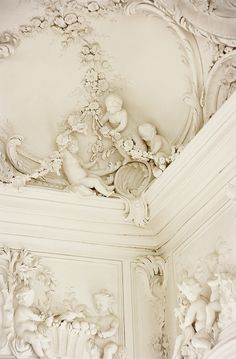 Gorgeous Cherubic ceiling in Rudale Palace ~ Lativa