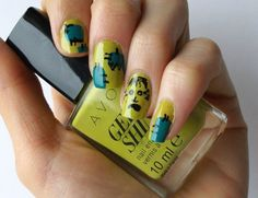My #manicure for #Fabulousity.it #halloween #Frankenstein nail art 2 in 1 last minute #tutorial accent nail Valentina Chirico per Fabulousity