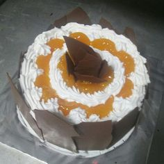 Love oranges then order this moist watering cake call 9821122290 free delivery from Colaba to Bandra.