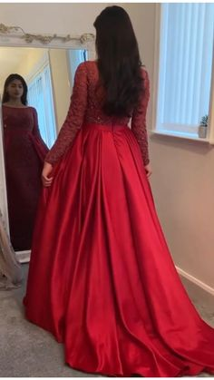 Party Wear Indian Dresses, Red Wedding Dresses, Indian Fashion Dresses, Pakistani Bridal Dresses, Prom Dresses With Sleeves, Indian Wedding Gowns, Muslim Prom Dress, Hijab Prom Dress, Long Gown Dress