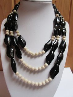Ivory jade and black glass beads necklace / Triple strand necklace / Jade and…