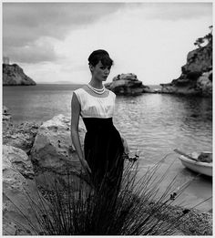 Fashion photo by Georges Dambier, December 1958. #vintage #models #fashion #beach #1950s