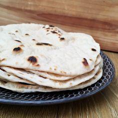 Tento starodávny nekysnutý chlieb sa vyrába už po stáročia hlavne v Arménsku, na blízkom východe aj v západnej ázii.Vďaka globalizácii sa dostal až k nám a to No Bake Cake, Lava, Clean Eating, Baking, Healthy, Breakfast, Ethnic Recipes, Fitness, Food
