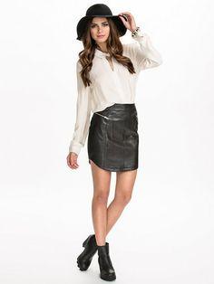 http://nelly.com/pl/odziez-dla-kobiet/odziez/spódnice/minkpink-781/reason-to-go-out-skirt-781198-14/