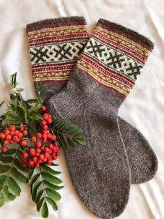 Knitting Socks, Mittens, Christmas Stockings, Holiday Decor, Socks, Knit Socks, Fingerless Mitts, Needlepoint Christmas Stockings, Fingerless Mittens