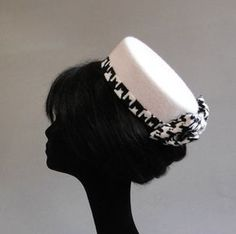 1960a177e96b2 off white felt with back and off white houndstooth finish pillbox hat on  comb
