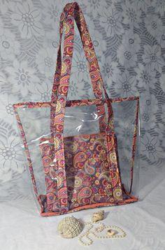 83b66f22b1 Linda e estilosa bolsa de praia pra você bombar nas férias! Acompanha  necessaire. obs  Não acompanha colar de pérolas.