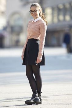 escuela-preppy Mode Outfits, Fall Outfits, Casual Outfits, Fashion Outfits, Womens Fashion, Cute Nerd Outfits, Fashion Clothes, Prep Outfits, Geek Chic Outfits