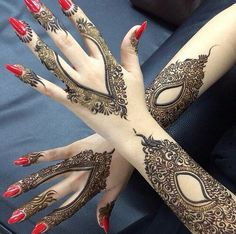 "Mehndi or Henna word comes from the Sanskrit Language as ""Mendhika"". Henna Mehndi designs became a new cool, where they … Pakistani Mehndi Designs, Latest Arabic Mehndi Designs, Bridal Mehndi Designs, Mehndi Designs For Hands, Simple Mehndi Designs, Arabic Design, Wedding Designs, Henna Tattoo Designs, Henna Tattoos"