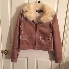 Guess jacket in medium Guess tan jacket in juniors medium, suede-feel (100% polyester), faux fur collar, zip front, two pockets on front are snap closure Guess Jackets & Coats