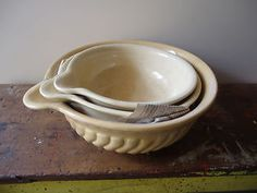 Antique Vintage Ceramic Mixing Bowls - Original with Pouring Lip