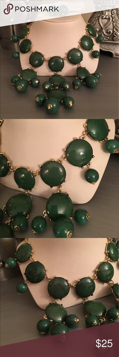 🛍Green Gold Circles Statement Necklace & Earrings Gold tone Boutique Jewelry Necklaces